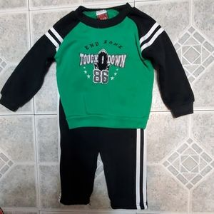 🏈Baby boy size 24M 2pc sweatpant outfit🏈